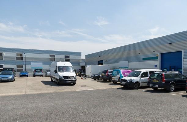 Southmead Industrial Park OX11 office space – Building External