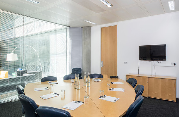 Chiswick High Road W4 office space – Meeting/Boardroom.