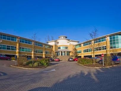 Wellington Way KT13 office space – Building External