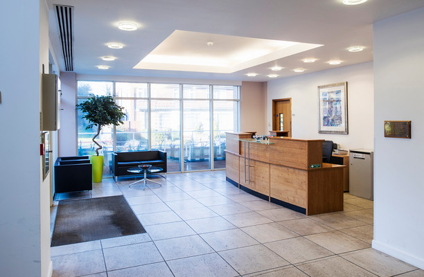 Clarendon road RH1 office space – Foyer