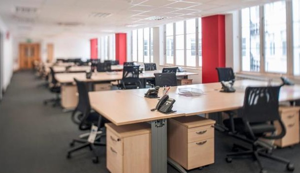 Bloomsbury Square WC1 office space – Private Office (different sizes available).