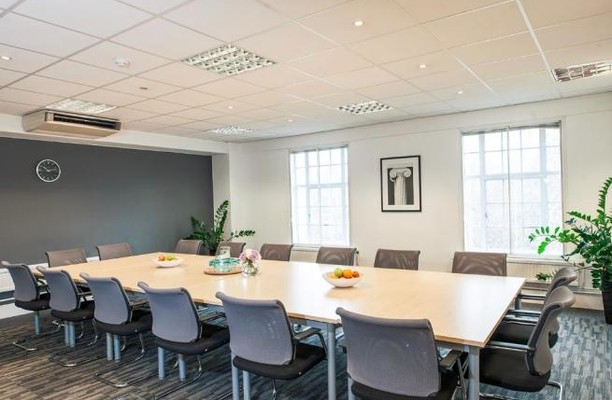 Bloomsbury Square WC1 office space – Meeting/Boardroom.