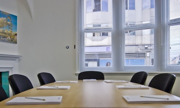 South Molton Street W1 office space – Meeting/Boardroom.