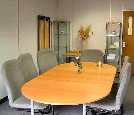 Tiller Road E14, E16 office space – Meeting/Boardroom.