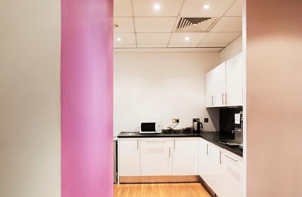 Bath Road UB7,UB10 office space – Kitchen