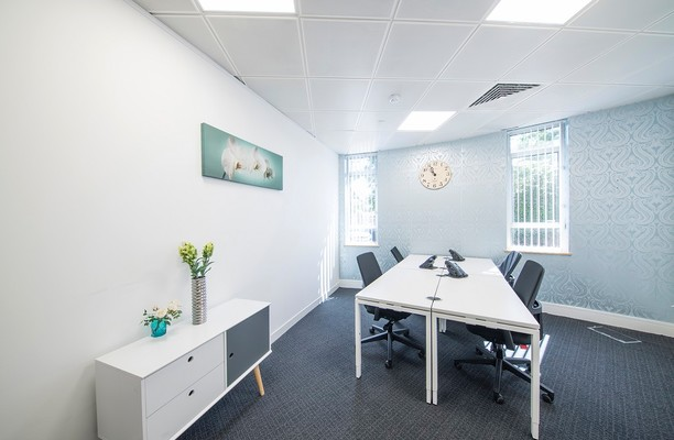 London Road TW18 office space – Private Office (different sizes available).