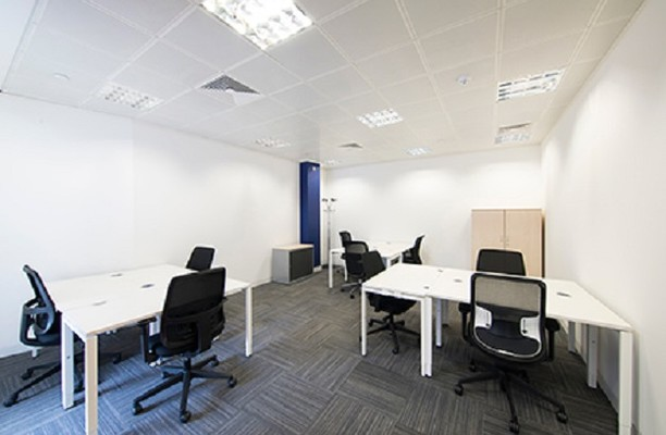 King William Street EC4 office space – Private Office (different sizes available).