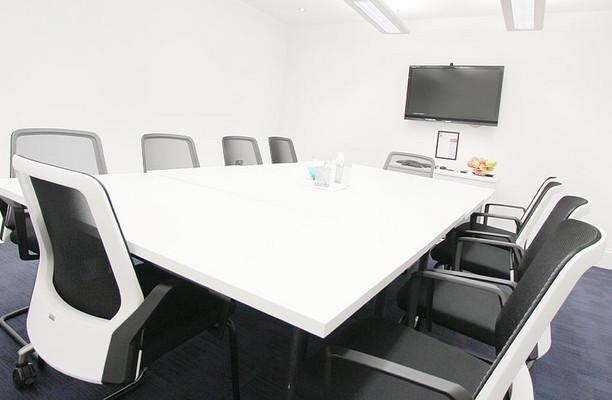 Royal Exchange Avenue EC1 office space – Meeting/Boardroom.