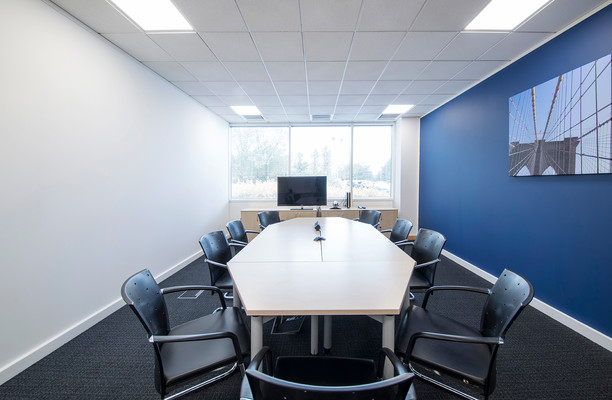 Victory Way DA1, DA2 office space – Meeting/Boardroom.