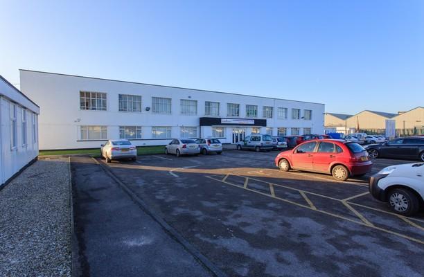 Chamberlain Road HU1 office space – Building External