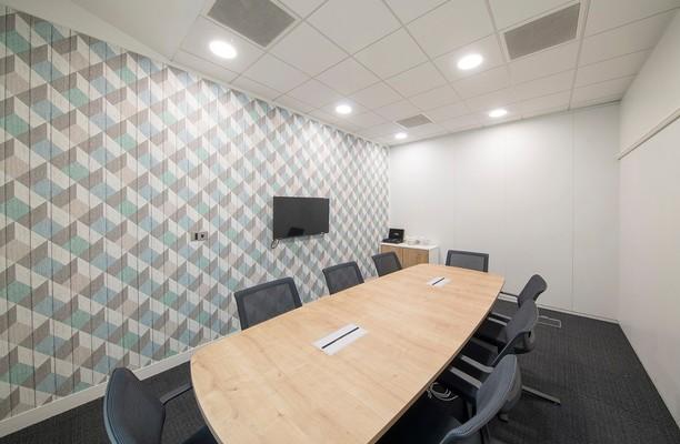Brook Drive RG1 office space – Meeting/Boardroom.