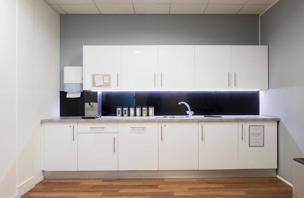 London Road RH2 office space – Kitchen