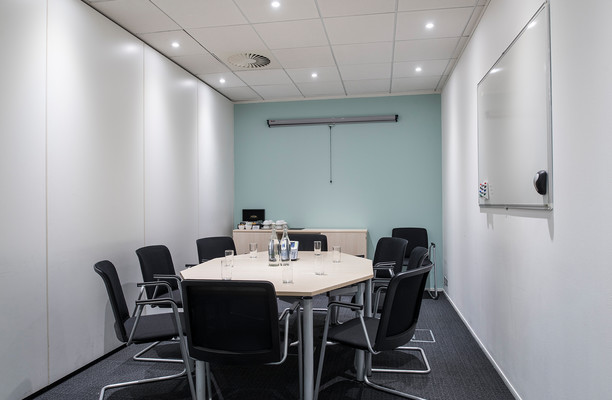 London Road RH2 office space – Meeting/Boardroom.