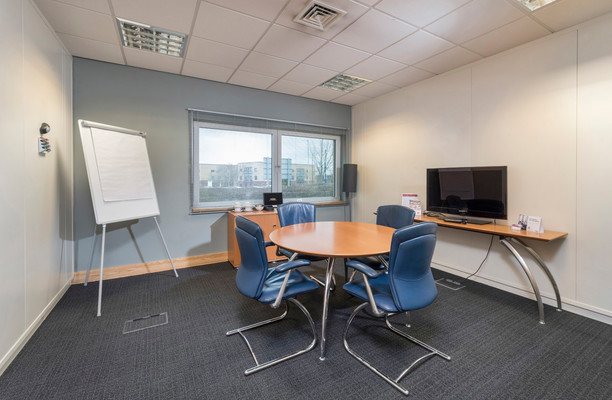 Admiral Way SR1 office space – Meeting/Boardroom.