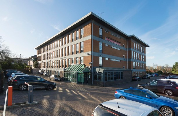 Manor Way WD6 office space – Building External