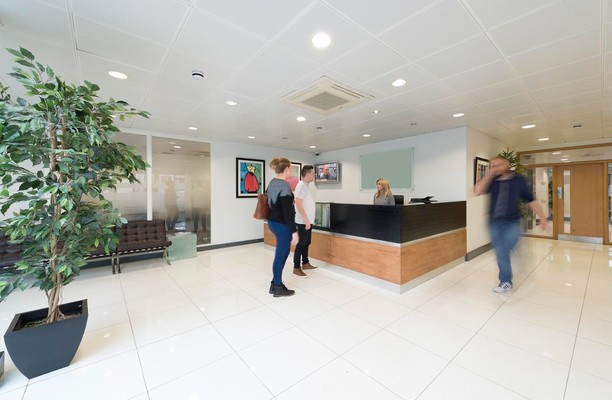 Manor Way WD6 office space – Reception