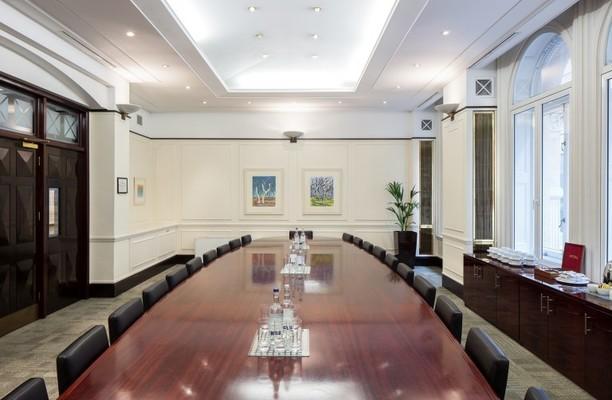 Old Bailey EC4M office space – Meeting/Boardroom.