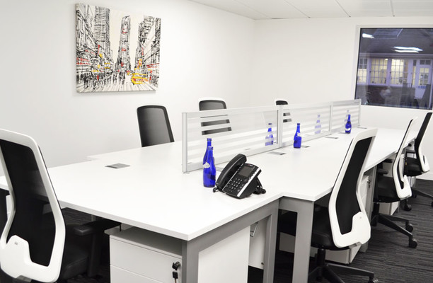 Threadneedle Street EC2 office space – Private Office (different sizes available).