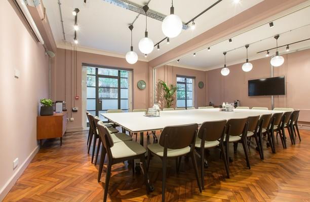 Rivington Street EC1, EC2 office space – Meeting/Boardroom.