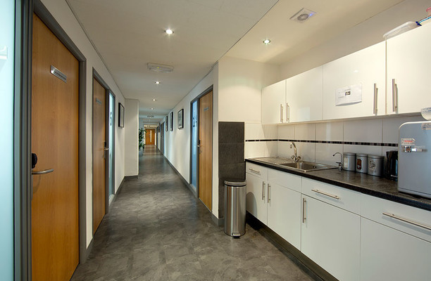 Wharfdale Road WC1 office space – Kitchen