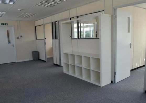 Stirling Way WD6 office space – Hallway
