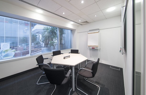 Imperial Place WD6 office space – Meeting/Boardroom.