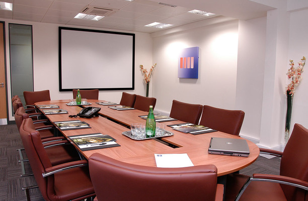 Honeypot Lane HA7 office space – Meeting/Boardroom.