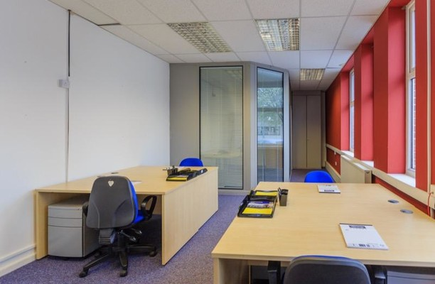 Queen Elizabeth Avenue office space – Private Office (different sizes available).