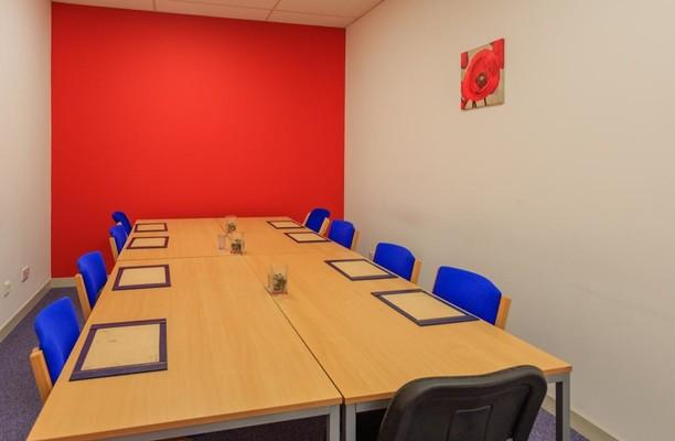 Earls Road FK3 office space – Meeting/Boardroom.