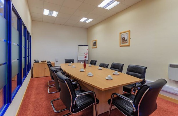 Mitchelston Drive KY1, KY2 office space – Meeting/Boardroom.