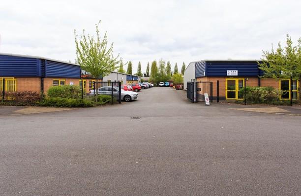 Dunns Close Nuneaton office space – Building External