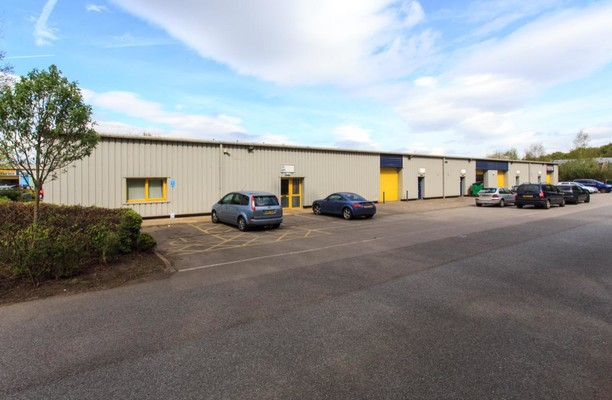 Boughton Industrial Estate NG22 office space – Building External