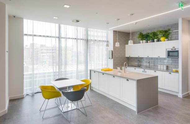 Charlotte Street M2 office space – Kitchen