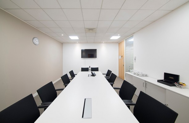 Titan Court AL10 office space – Meeting/Boardroom.