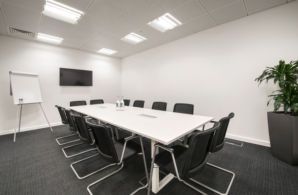 Wellington Place office space – Meeting/Boardroom.