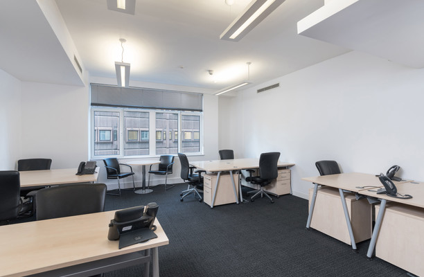 Exchange Flags L2 office space – Private Office (different sizes available).