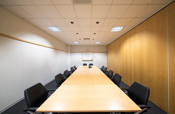 Bath Road SL1 office space – Meeting/Boardroom.