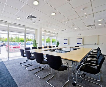 Solent Business Park PO14 - PO17 office space – Meeting/Boardroom.