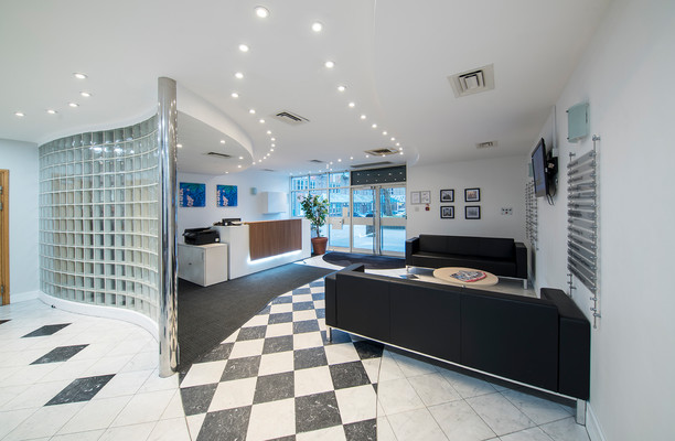 Victoria Square AL1 office space – Reception