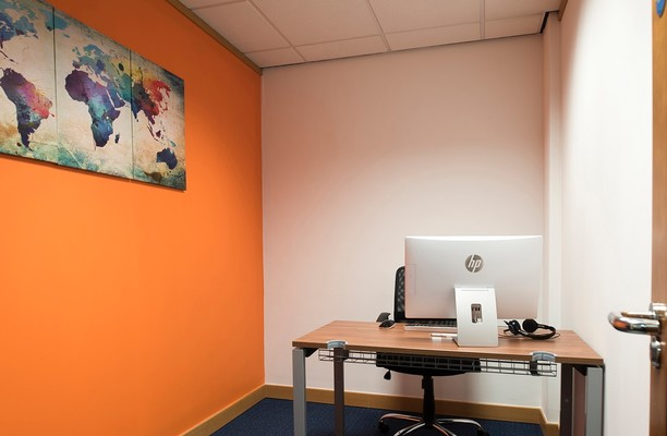 Thames Street SL4 office space – Private Office (different sizes available).