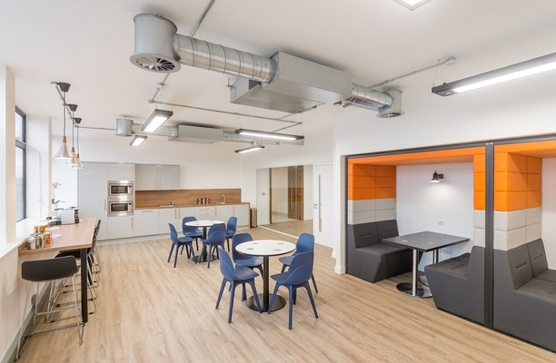 Portland Street M1 office space – Kitchen