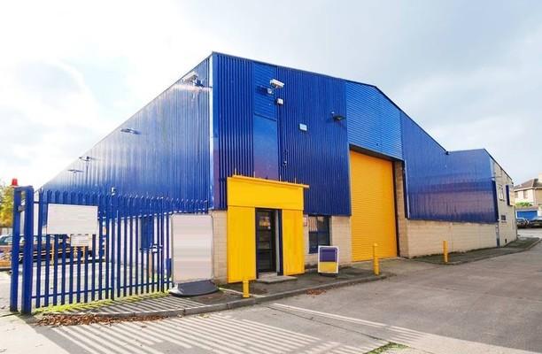 Bellotts Road BA1 office space – Building External