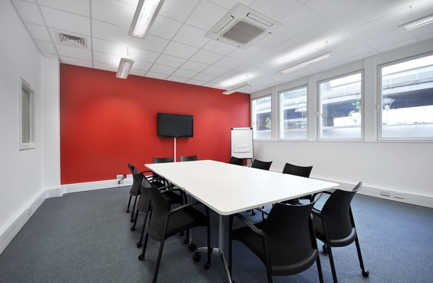 Great West Road TW8 office space – Meeting/Boardroom.