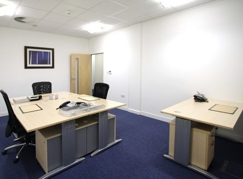 Mark Road HP1 office space – Private Office (different sizes available).