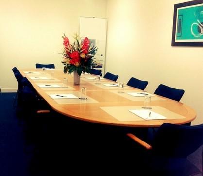 Mark Road HP1 office space – Meeting/Boardroom.