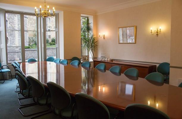 Castle Hill SL4 office space – Meeting/Boardroom.
