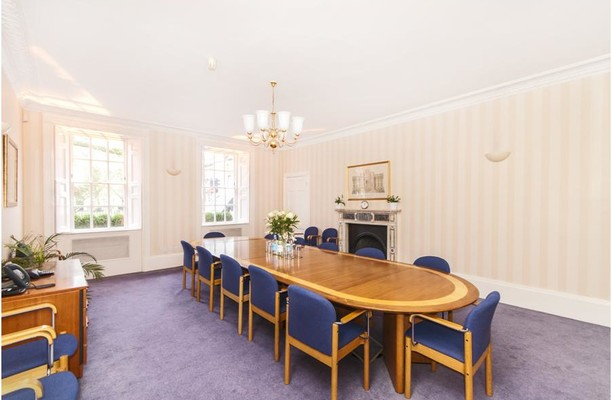 Queen Square BA1 office space – Meeting/Boardroom.