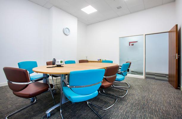 Harvest Crescent GU51 office space – Meeting/Boardroom.