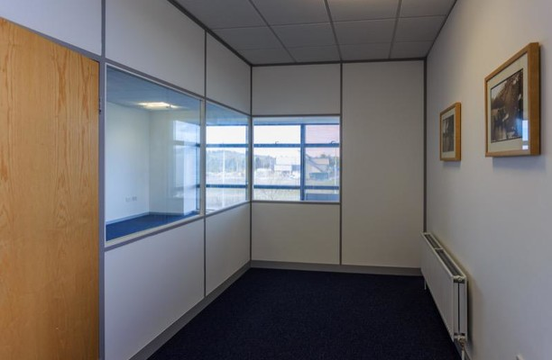 Begg Road KY1, KY2 office space – Private Office (different sizes available).
