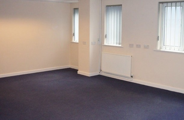 Queens Lane CH7 office space – Private Office (different sizes available).